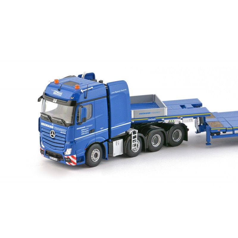 Hegmann Mercedes Actros BigSpace 8x4 with Nooteboom MCO121-08V