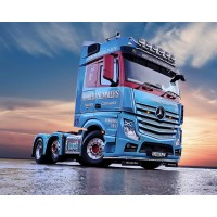 Robert Summers Mercedes-Benz Actros Bigspace 6X2