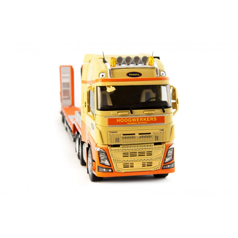 Riwal Volvo 6X2 With Mcos 3-Axle Semi Lowloader 1:32 Scale