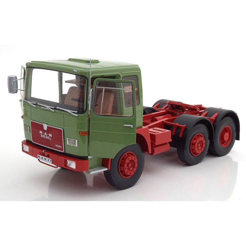 M.A.N. 16304 F7 1972 Light Green 1:18 Scale