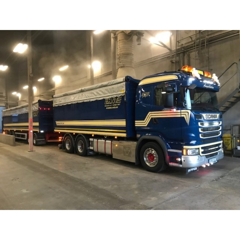 HNT Scania R-Series Rigid With Trailer