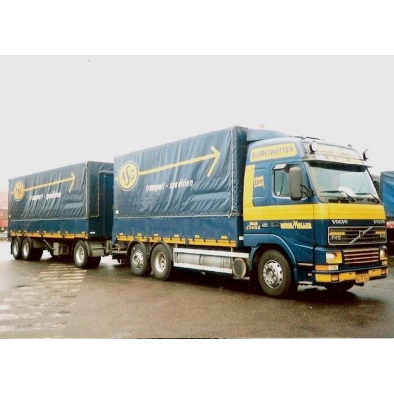 Borge Moller ASG Volvo FH12 Globetrotter With Tarpaulin Trailer