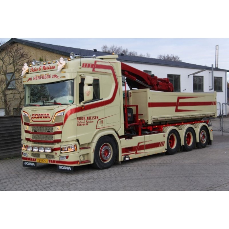 Peter E Nielsen Scania Next Gen R-Series With Hookarm