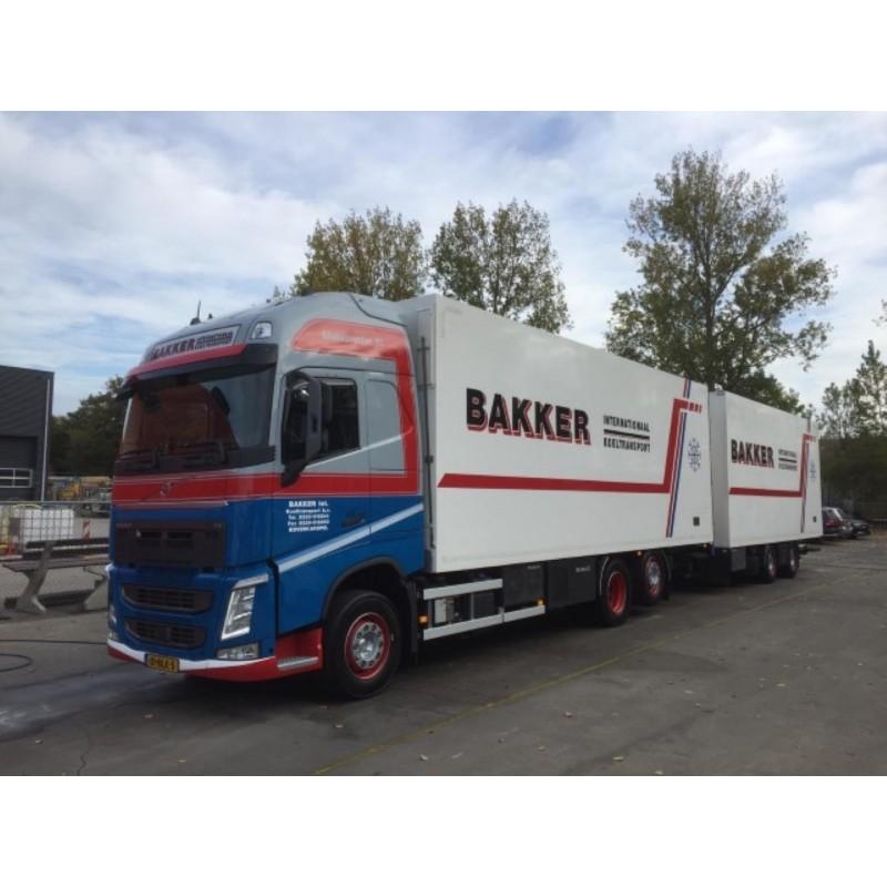 Bakker Koeltransport Volvo Fh04 Globetrotter Xl Motorwagen With 2 Xale Trailer