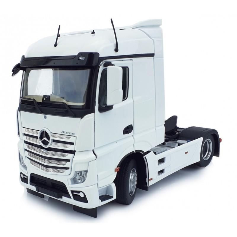 Mercedes-Benz Actros Streamspace 4X2 White 1:32 Scale