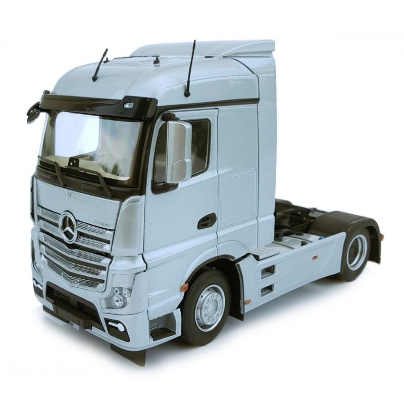 Mercedes-Benz Actros Streamspace 4X2 Silver 1:32 Scale