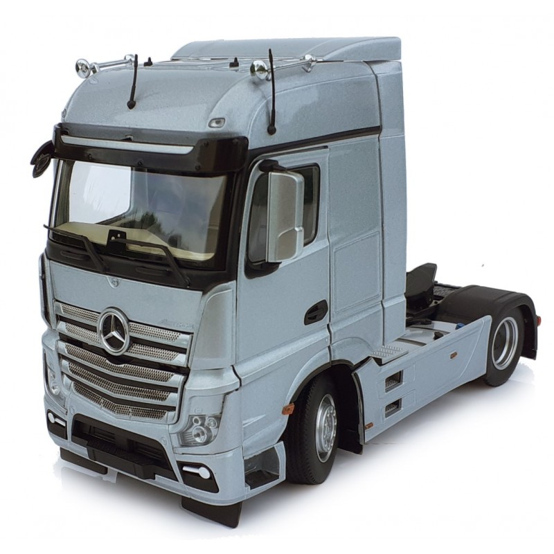 Mercedes-Benz Actros Bigspace 4X2 Silver 1:32 Scale