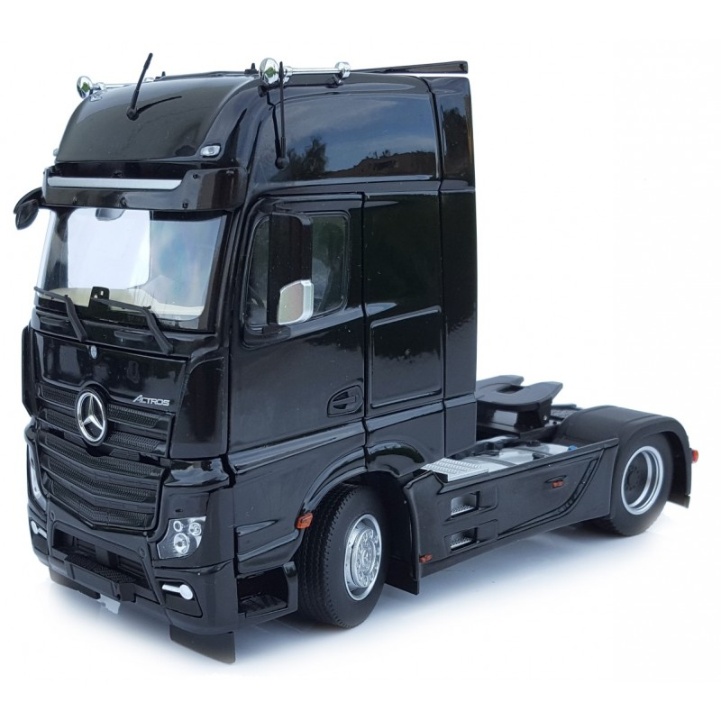 Mercedes Benz Actros Gigaspace 4X2 Black 1:32 Scale