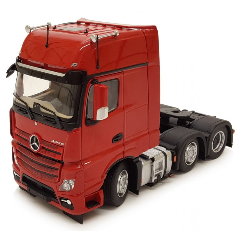 Mercedes-Benz Actros Gigaspace 6X2 Red 1:32 Scale
